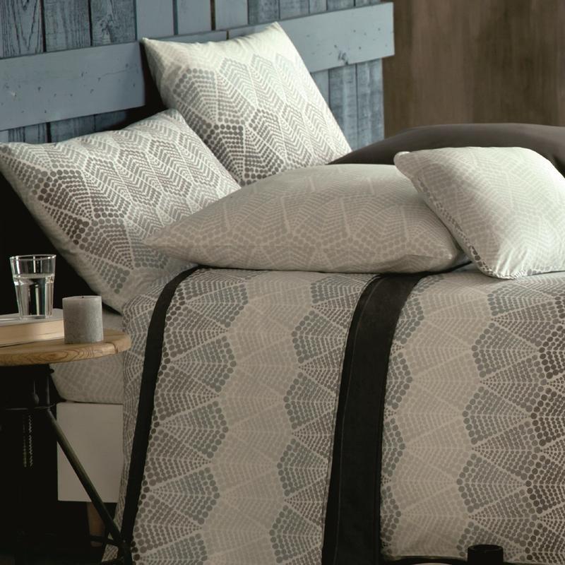 anne de solene housse de couette. Black Bedroom Furniture Sets. Home Design Ideas